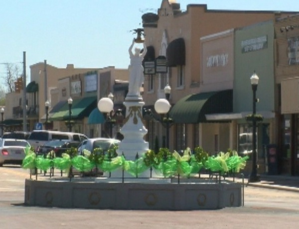 Boll Weevil Monument_-9188954194704906451