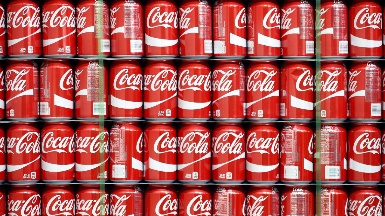 Lots of Coca-Cola Coke cans-159532.jpg29454255