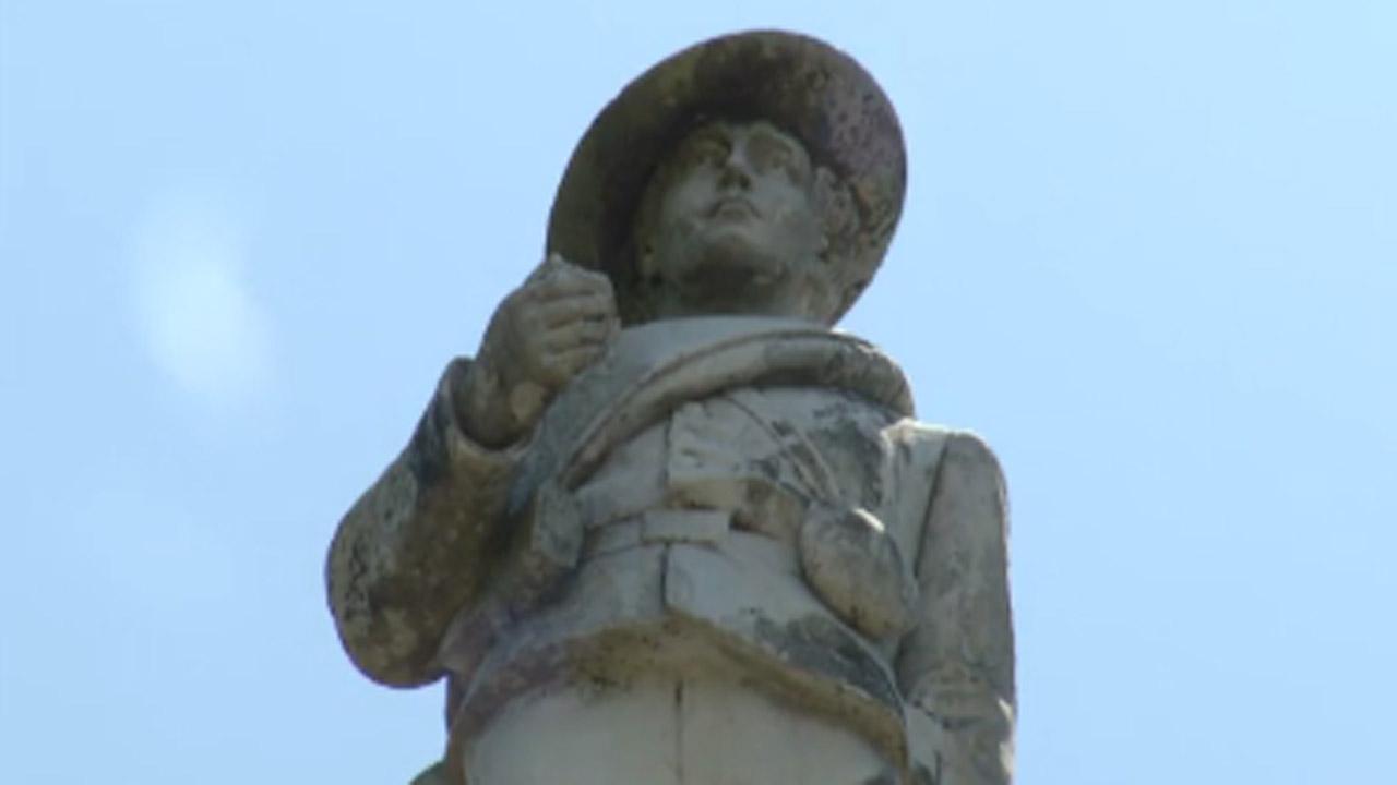 Orlando_confederate_statue copy_1497973728409-159532.jpg00876849